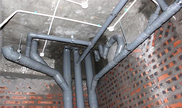 Thợ Sửa đường ống thoát nước tại nhà Hà Nội